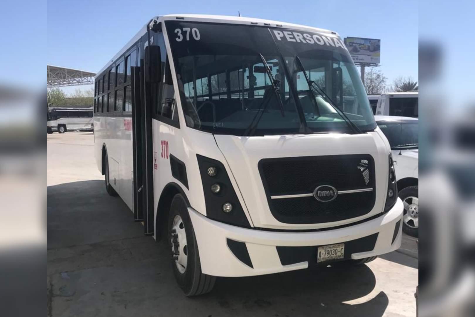 Grupo Pequeña, DINA, Autobuses, Runner