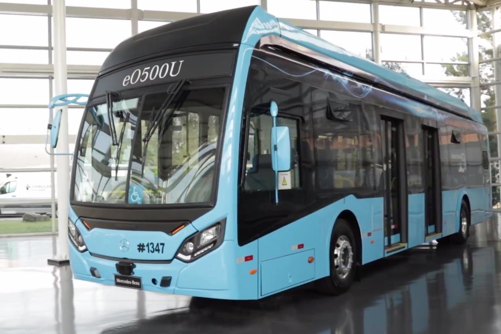 Mercedes-Benz Autobuses eO500 U