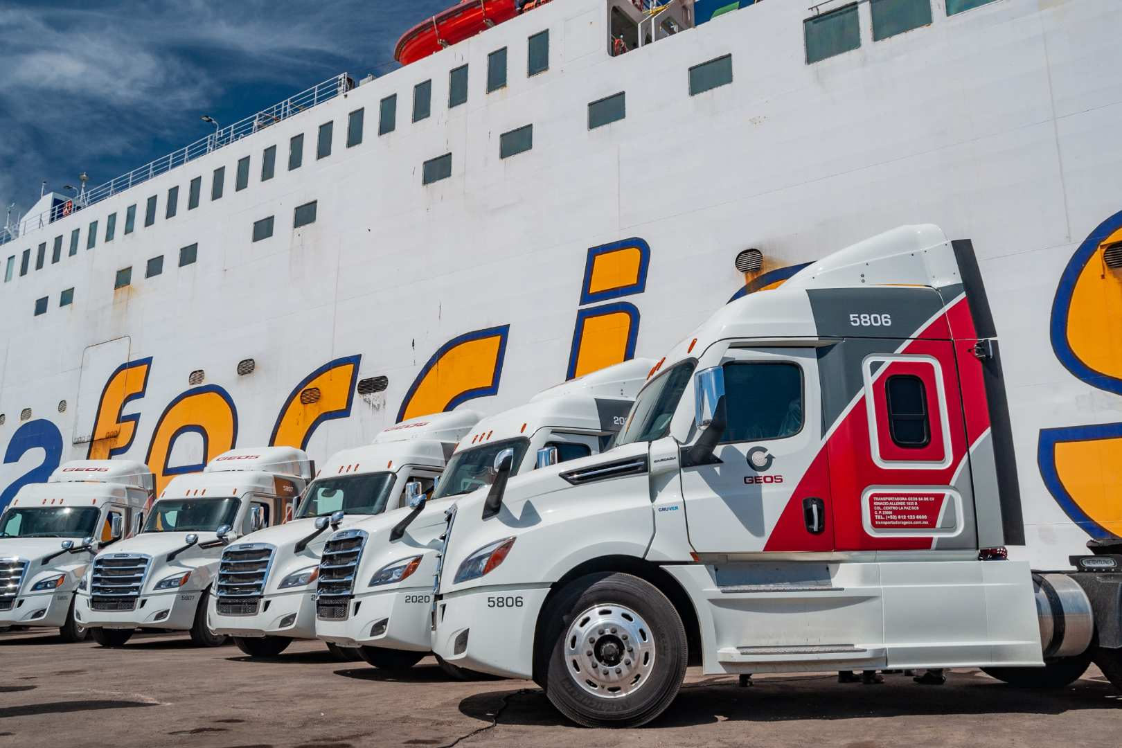 Baja Ferries Daimler Freightliner Cascadia
