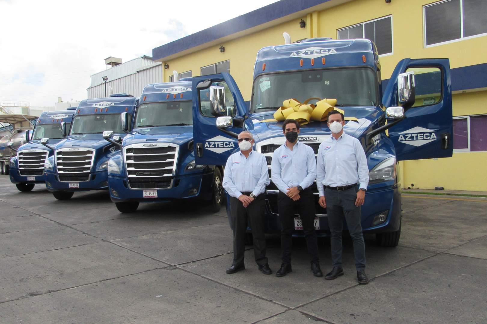 Transportes Azteca Daimler Cascadia
