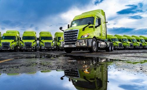 Daimler Freightliner Traxión Cascadia Auto Express Frontera Norte