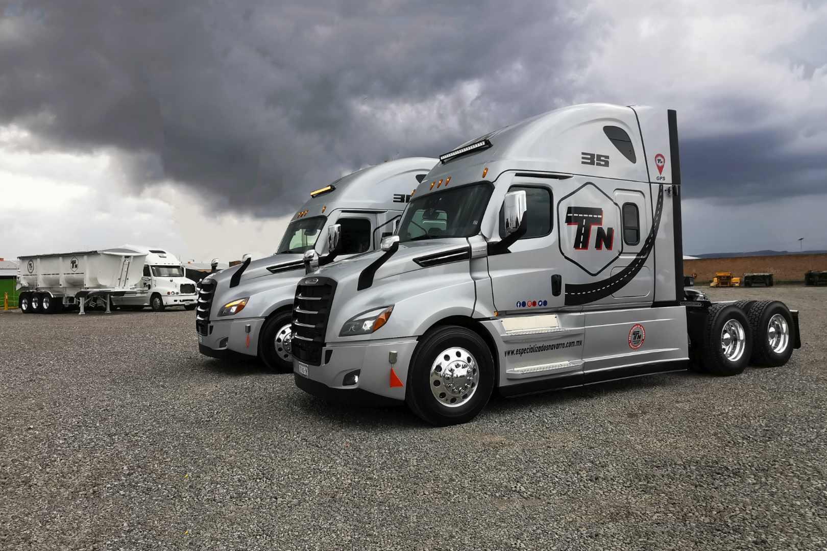 Euro Centro Camionero, Cascadia, Transportes Especializados Navarro, Daimler, Freightliner