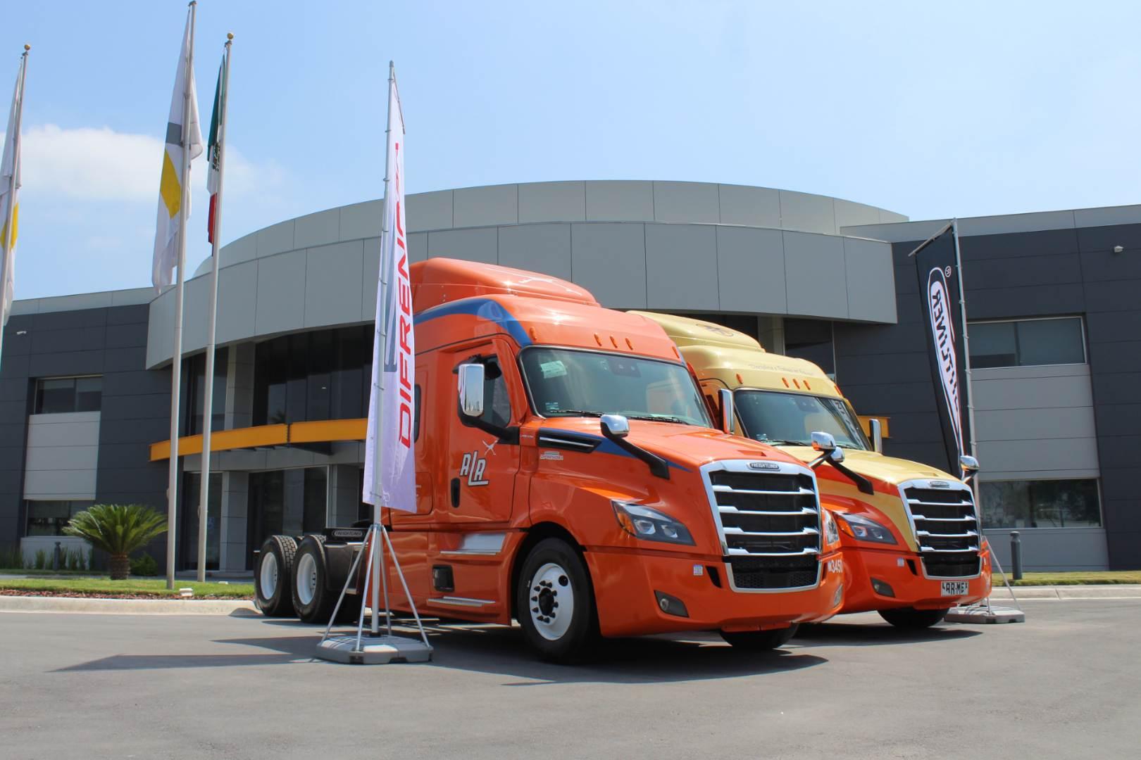 Alianza Trayecto Daimler Cascadia Freightliner